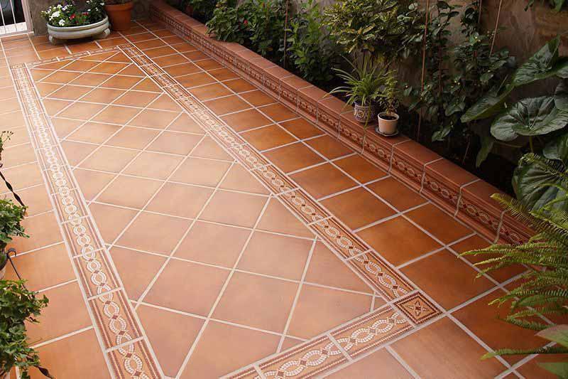 Gres r stico y canalones almacenes poymaxa s l for Suelos patios rusticos